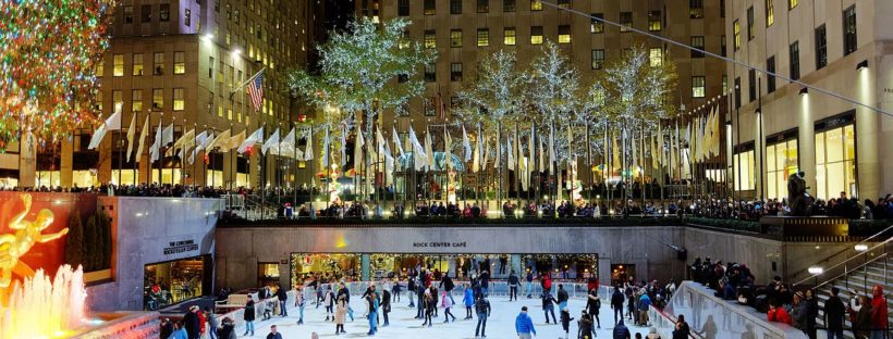 9 ice skate under the christmas tree at the rockefeller for Under the christmas tree 2017